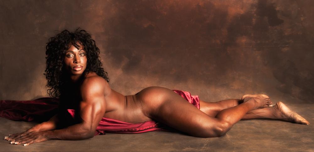 image Bikini mistress to provoke the man who put a chastity belt